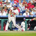 Phillies split doubleheader with Nationals