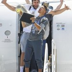 Warriors return to Bay Area as champions