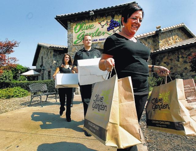 Olive Garden Delivers For First Responders Times Leader