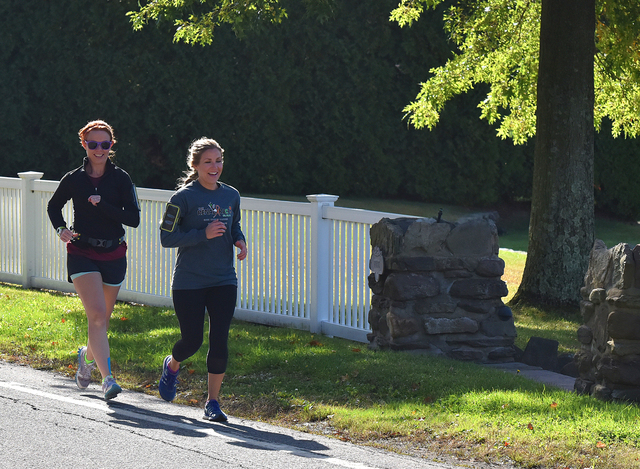 Fitness fundraiser will raise money for renal cancer research and help two locals participate in New York Marathon