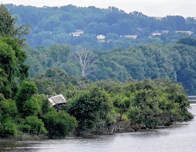Structure dumped on island in Susquehanna River in 2011 flooding continues to cause controversy