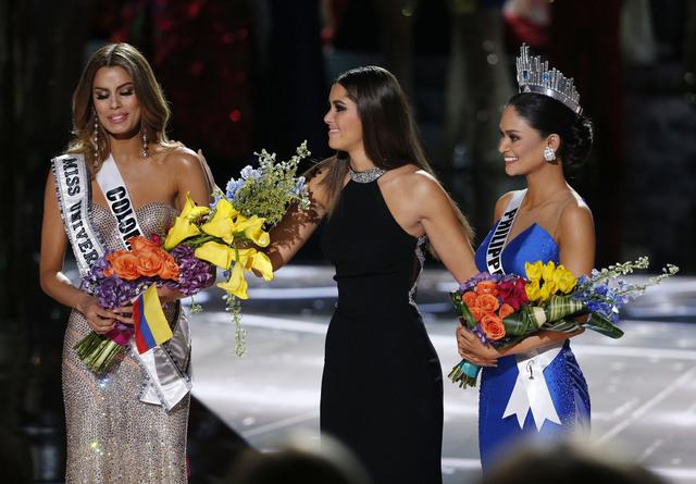 Miss Universe 2015: Host Steve Harvey Names Wrong Woman Winner
