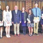 High school seniors receive DAR Good Citizens Award