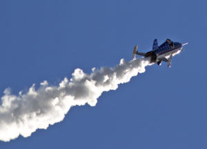 Daredevil successfully powers rocket over Snake River Canyon