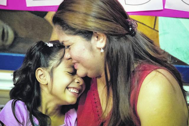 Judge halts deportation of families | Times Leader